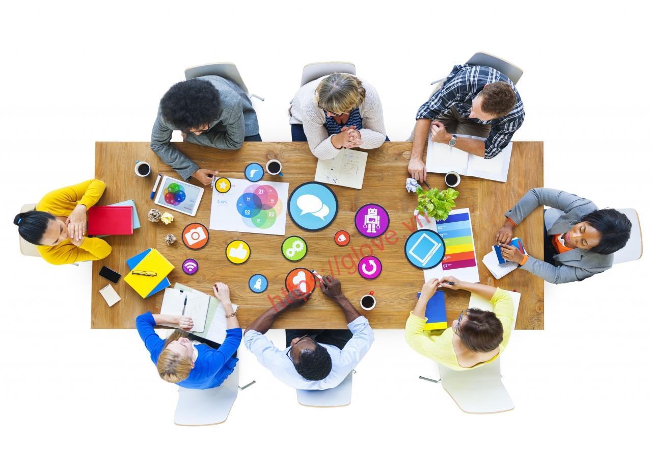Tinh thần làm việc nhóm thể hiện tố chất lãnh đạo